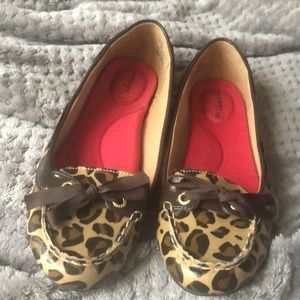 Like new leopard sperry loafers